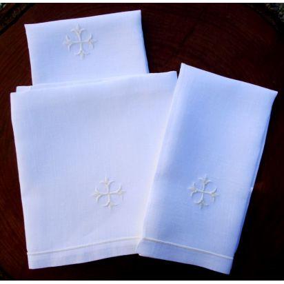 w) Service de Messe avec broderie blanche de Célébrations