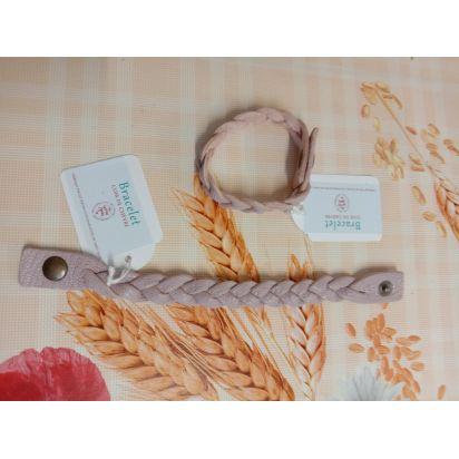 Bracelet tressé en cuir lilas pâle de Petite maroquinerie