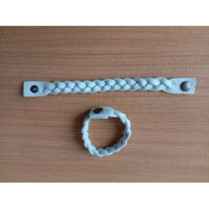 Bracelet tressé en cuir blanc cassé de Petite maroquinerie