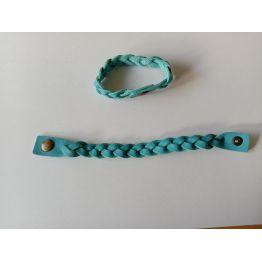 Bracelet tressé en cuir bleu ciel