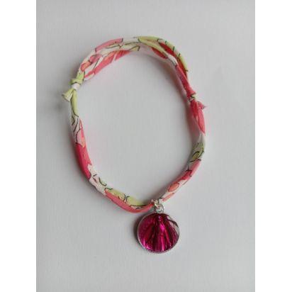 Bracelet liberty fraise avec médaille ND de Pellevoisin de Médailles
